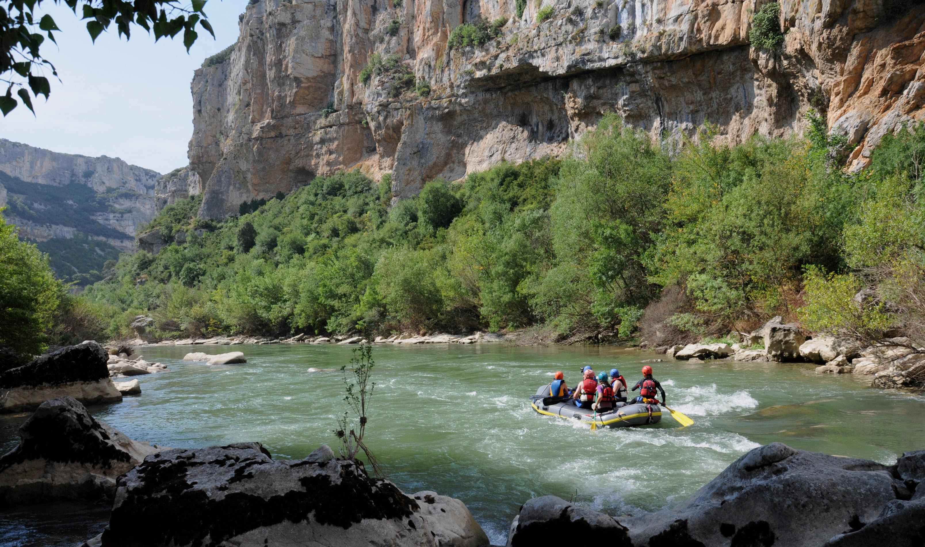 Descensos en balsa por el Río Irati