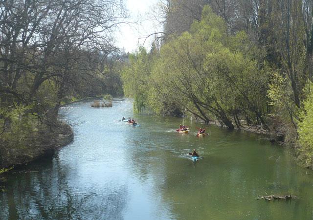 ARGA VIVO-ARGA BIZIRIK. Descensos en canoa